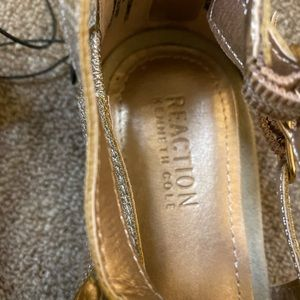 Kenneth Cole Shoes - Kenneth Cole reaction gold sandals